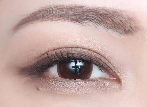 双眼皮修复孔宇和贾亮哪个医生厉害?